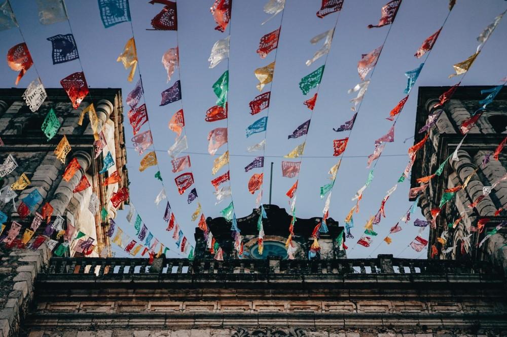 flags in steeet